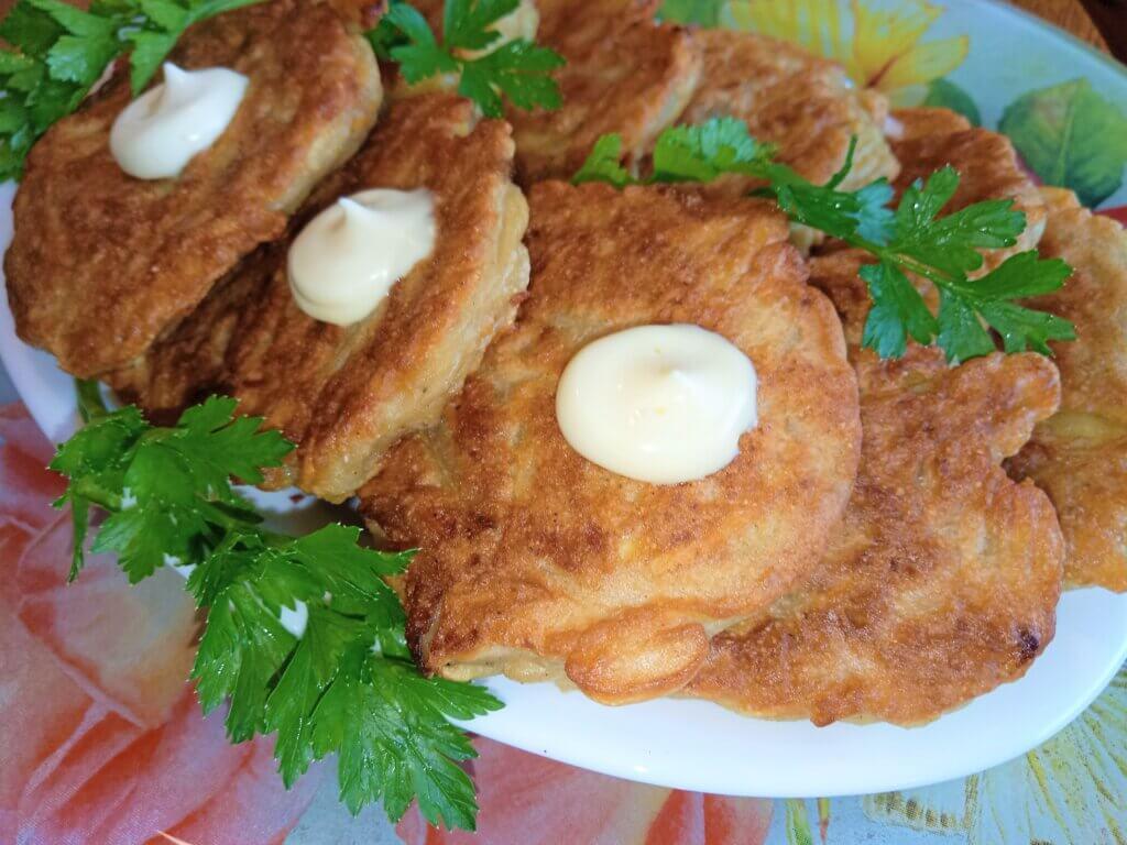oladi-iz-kabachkov-s-kartofelem